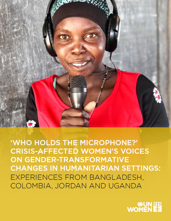 un women who holds the microphone